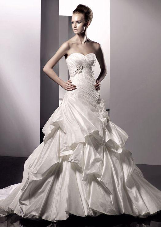 45 Inspirações para a escolha do vestido de noiva (coleção 2011)