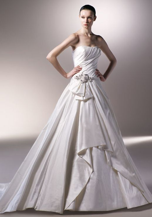 50 Inspirações para a escolha do vestido de noiva (coleção 2010)