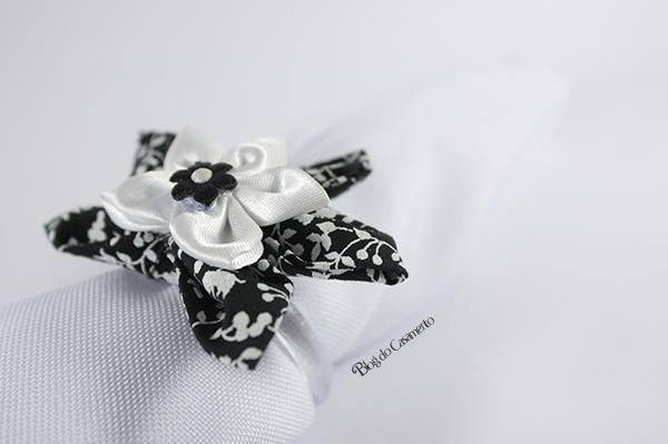 Aprenda a fazer  florzinhas de fuxico e faça você mesmo a decoração do seu casamento