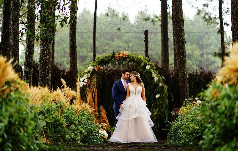 Casamento com chuva! Pry e Diego