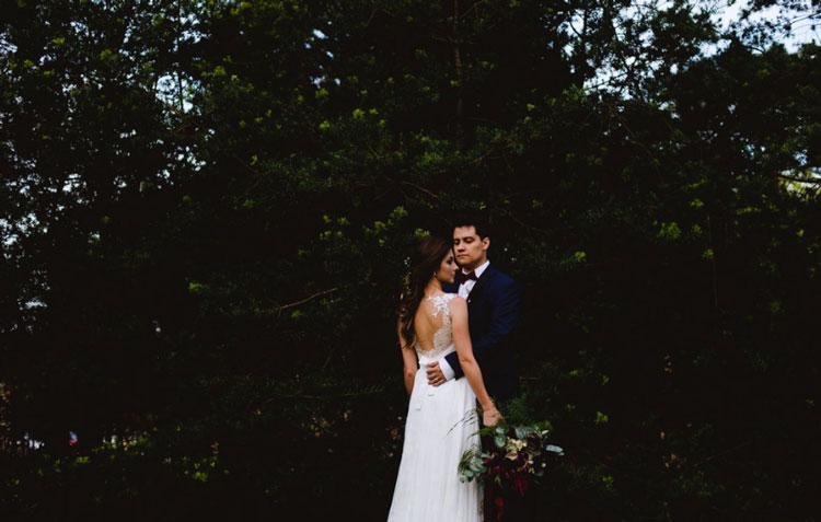 Casamento rústico e colorido: Vanessa e Kadu