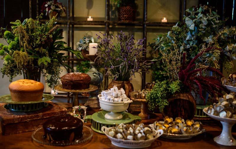 #coisinhasqueamamos: Mesa de bolos caseiros