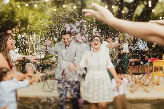 Casamento no jardim de casa: Mari, Maike e Murilo