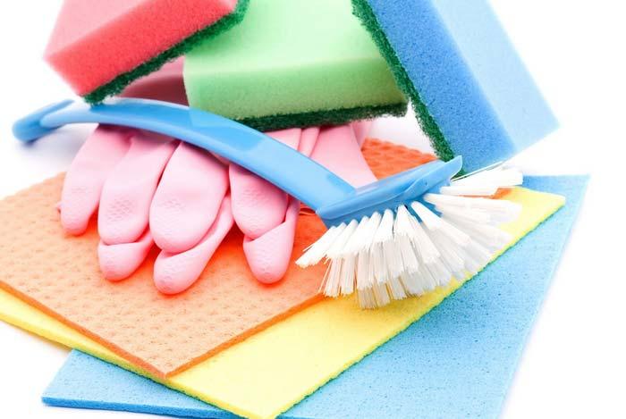 É hora da faxina! O que você precisa limpar diariamente e semanalmente