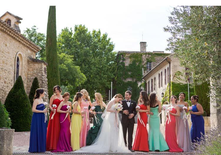 Como escolher o vestido de madrinha de acordo com o signo