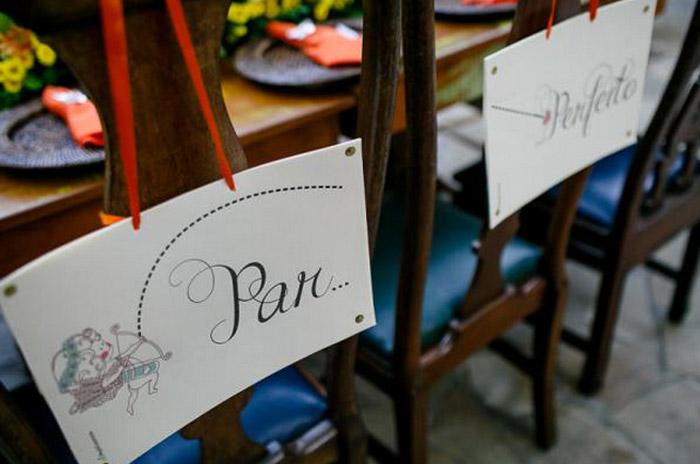 Plaquinhas para as cadeiras dos noivos : 4 modelos para baixar