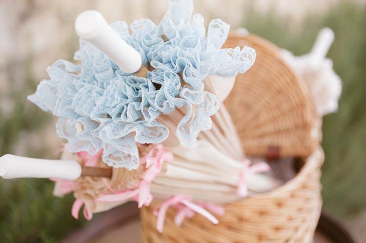 #coisinhasqueamamos: Sombrinhas na cerimônia de casamento