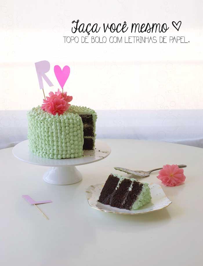 Faça você mesmo: Topo de bolo com letrinhas de papel